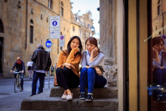 dolce-italy-florence-friends-tourist-photo-shoot-session