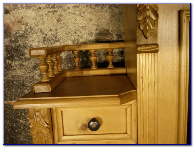 Alter Schreibtisch Weichholz