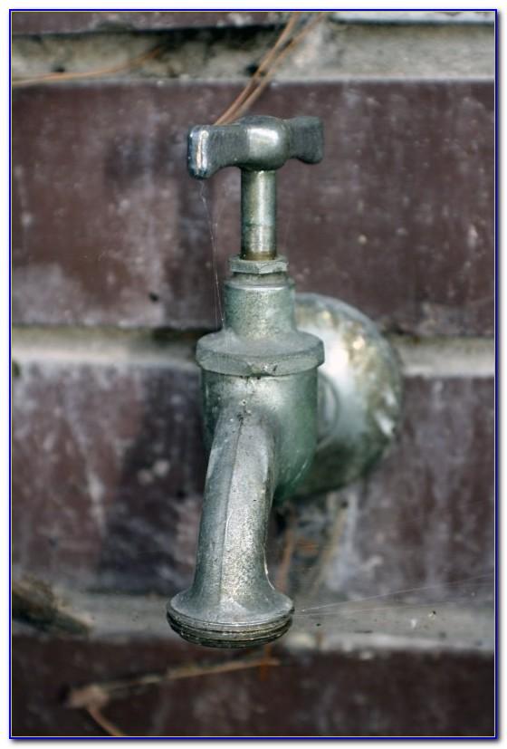 Alter Wasserhahn Tropft