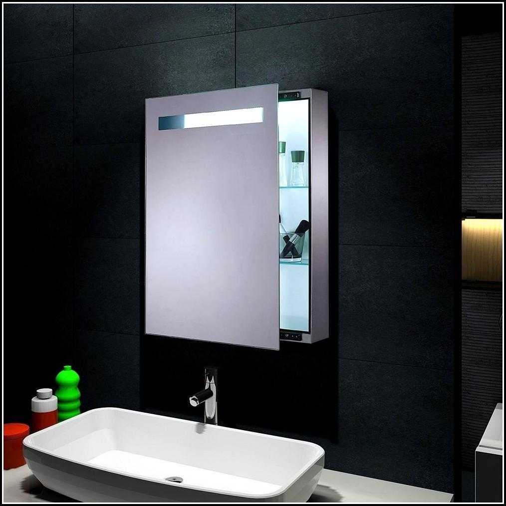 Badezimmer Beleuchtung über Spiegel