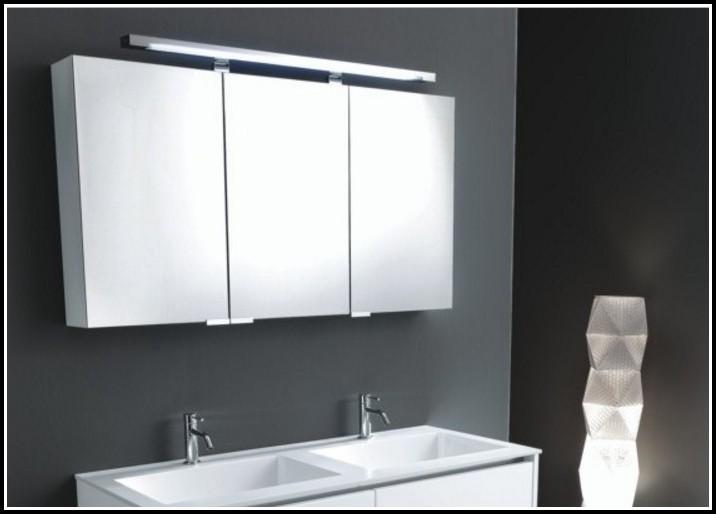 Badezimmer Spiegelschrank Beleuchtung Holz