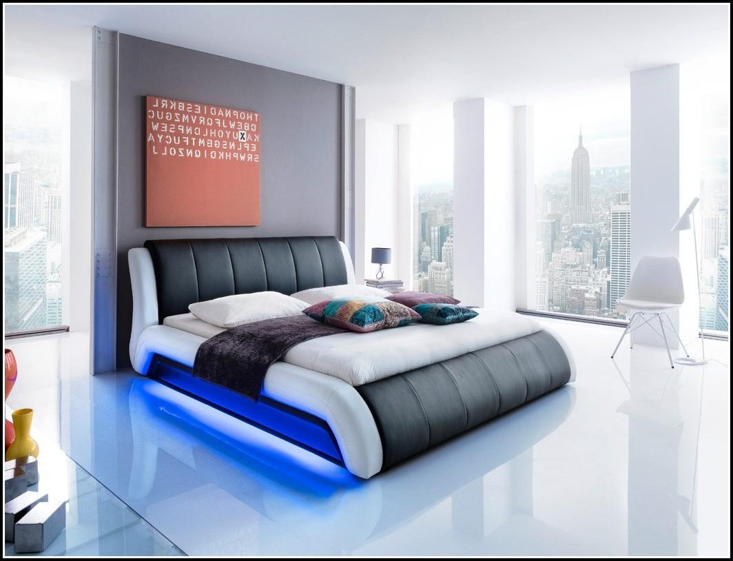 Bett 180x200 Mit Lattenrost Und Matratze