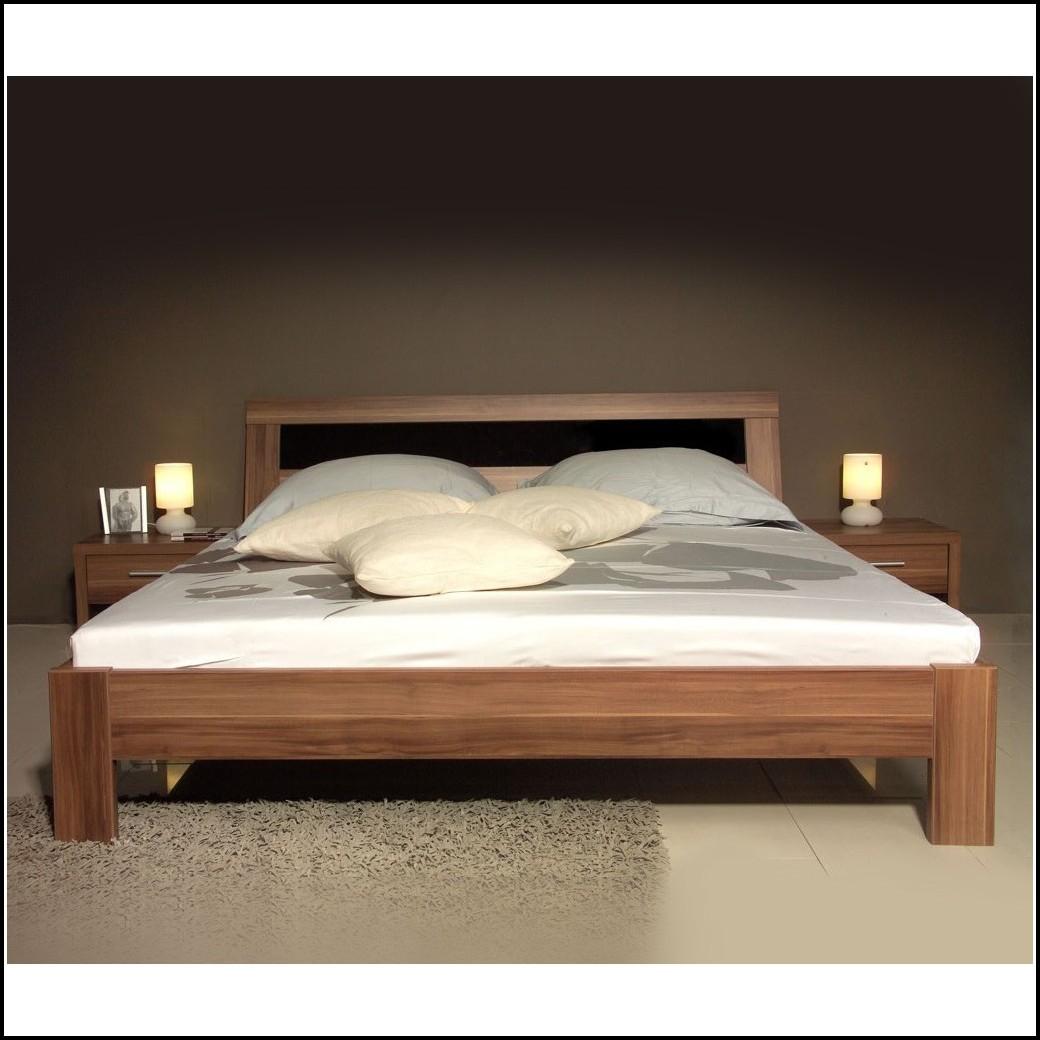 Bett 180×200 Weiß