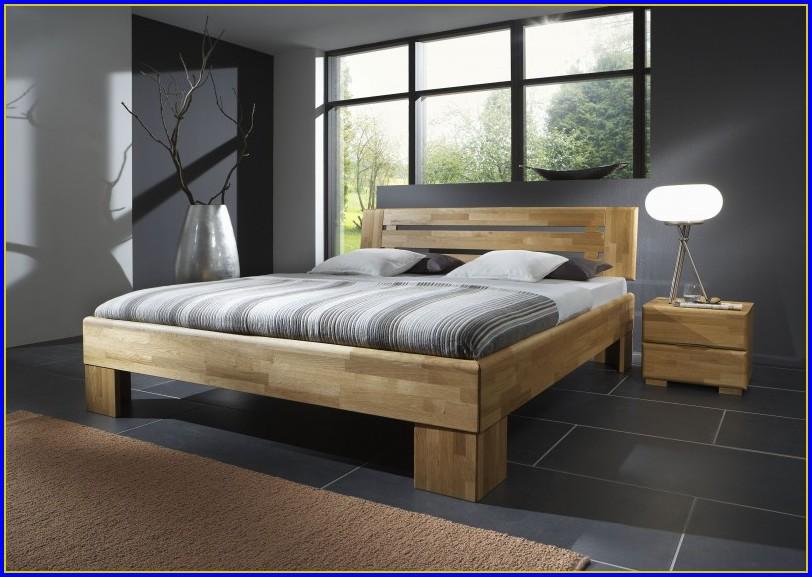 Bett 200×220 Massiv