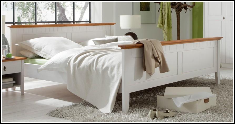 Bett Im Landhausstil Weiß