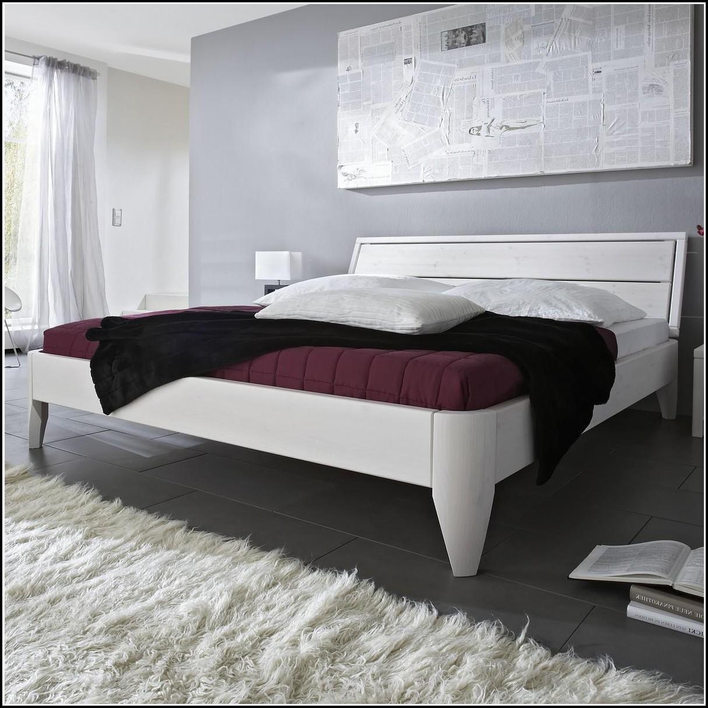 Bett Massivholz 140×200 Gebraucht