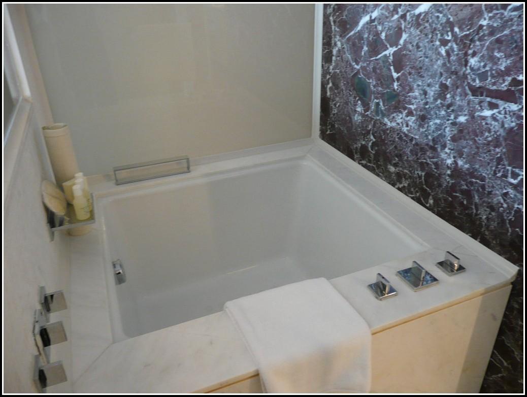 Dusche Neben Der Badewanne