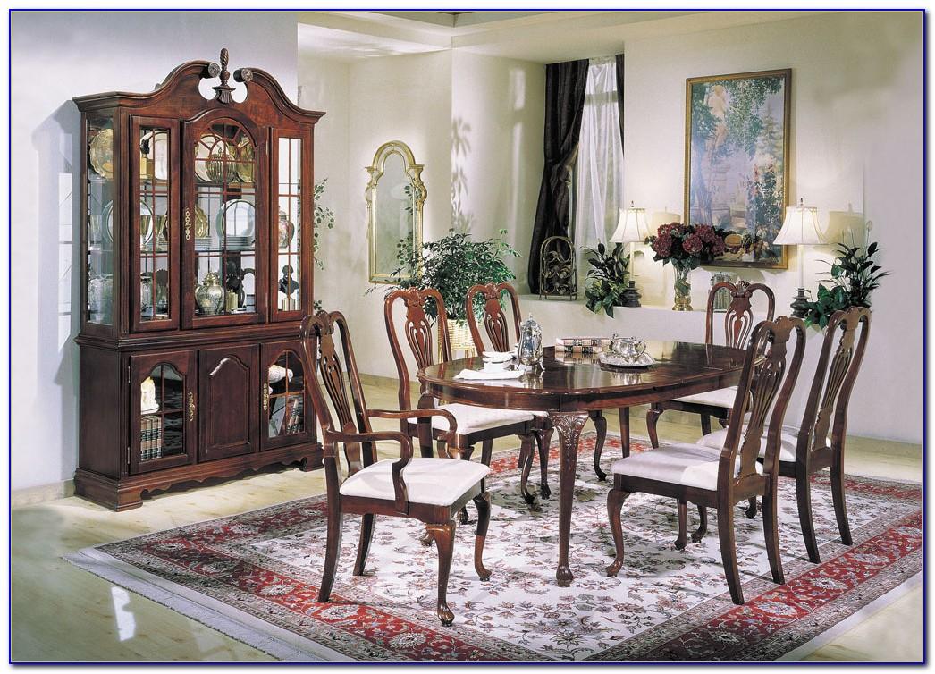 Ethan Allen Queen Anne Cherry Dining Room Set