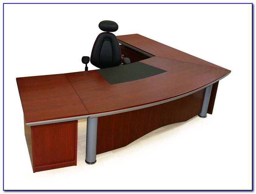 Großer Schreibtisch über Eck