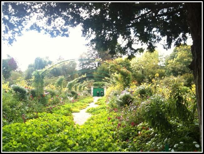Haus Und Garten Von Monet