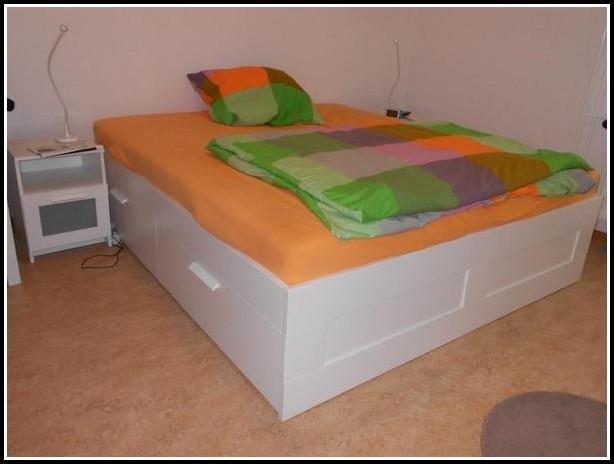 Ikea über Bett Tisch