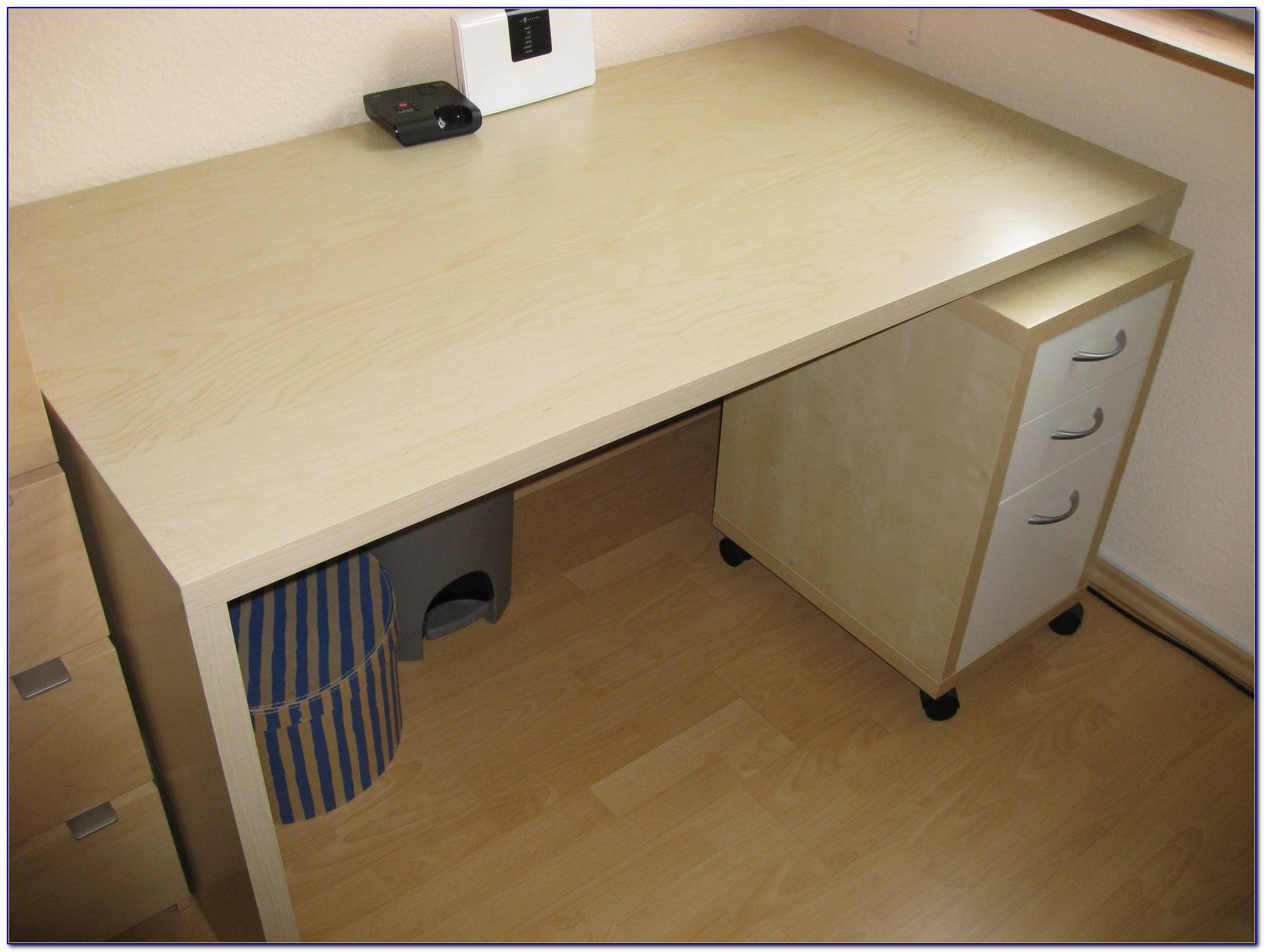 Ikea Besta Burs Schreibtisch Schwarz