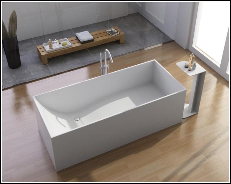 In Der Badewanne Liegen
