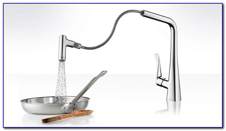 Installation Wasserhahn Bad