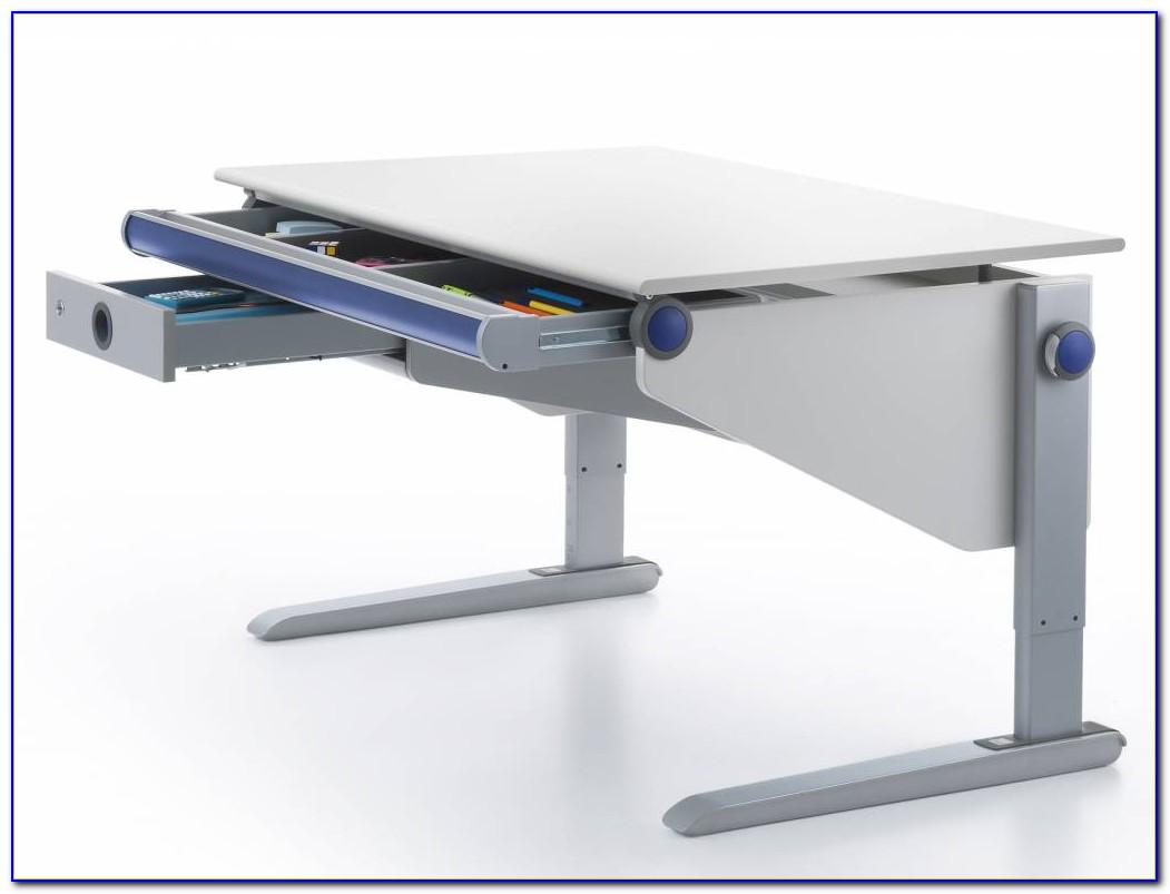 Kind Schreibtisch