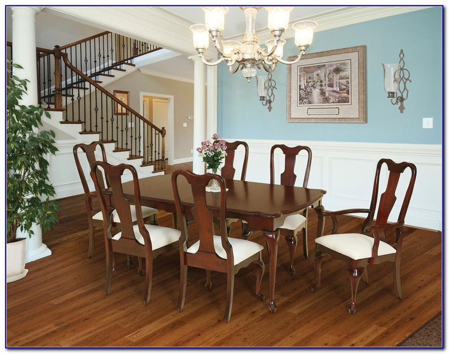 Queen Anne Cherry Dining Room Table And Chairs