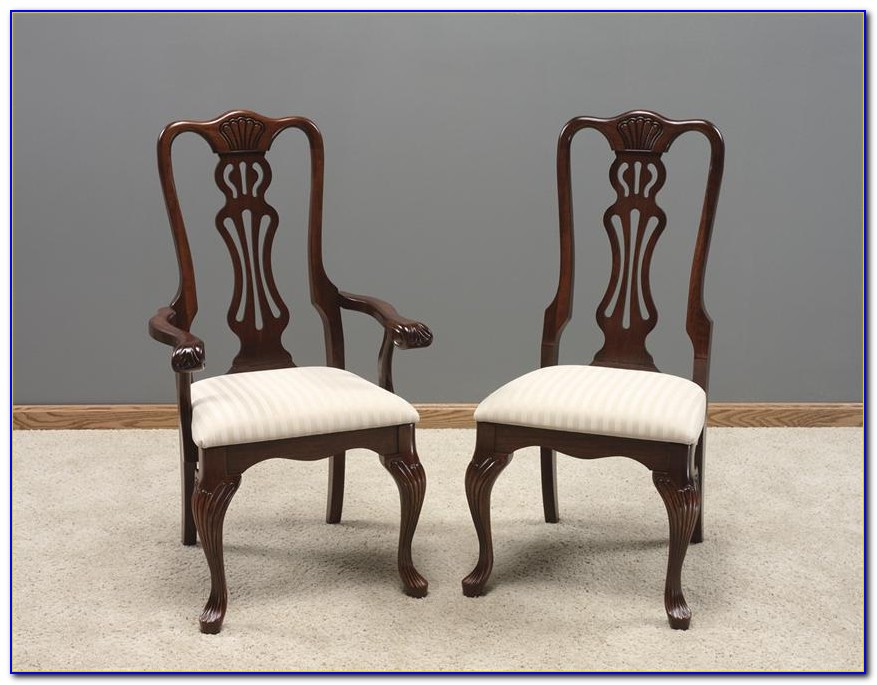 Queen Anne Cherry Wood Dining Room Chairs