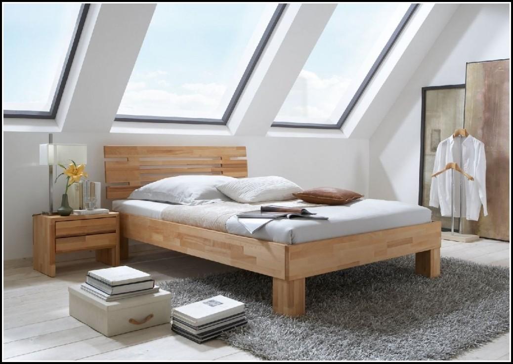 Schlafzimmer Holzmöbel