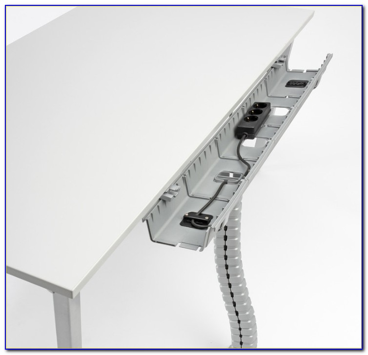 Schreibtisch Mit Kabelmanagement