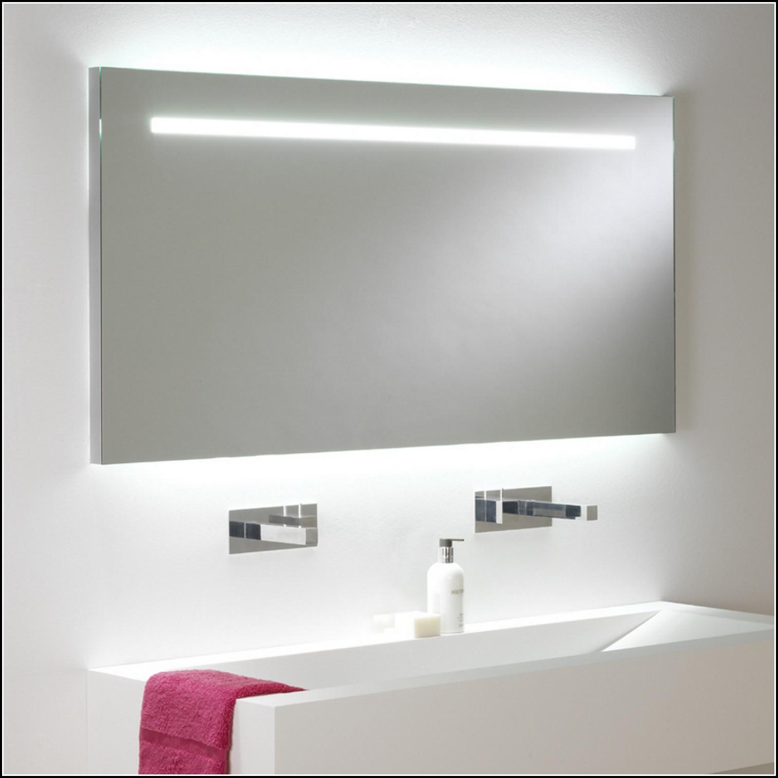 Spiegel Mit Beleuchtung Und Steckdose
