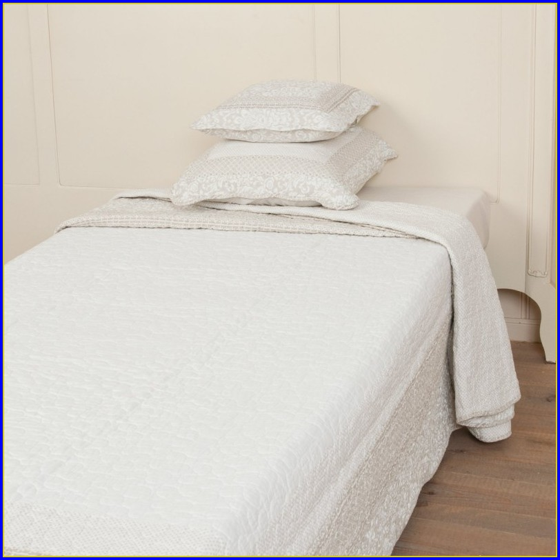 Tagesdecke Bettberwurf Weiss