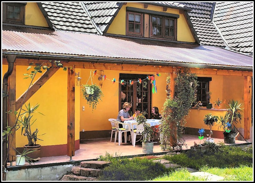 Terrassenüberdachung Aus Holz Mit Ziegeldach