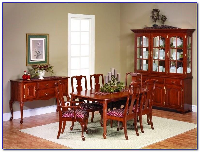 Thomasville Queen Anne Cherry Dining Room Set