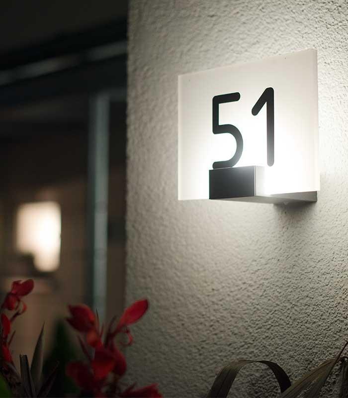 Außenlampe Mit Bewegungsmelder Und Hausnummer