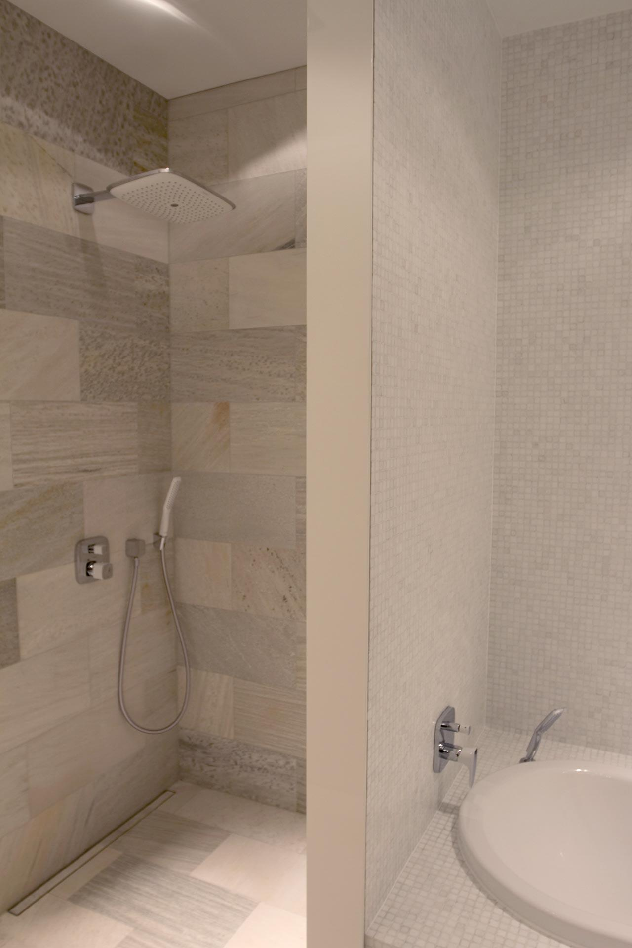 Badezimmer Naturstein Fliesen