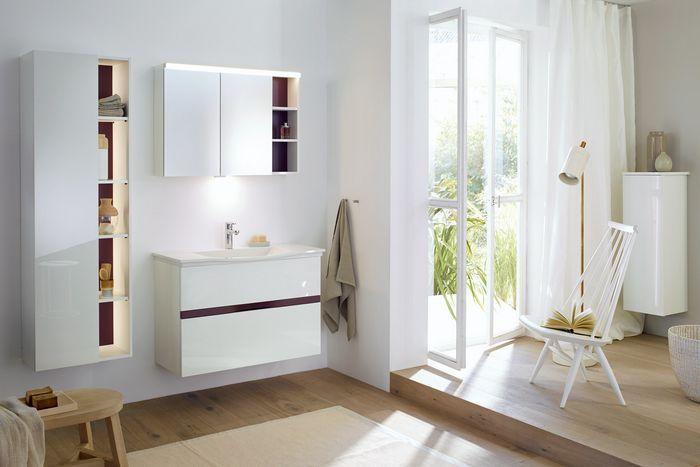 Badezimmer Waschbecken Mit Unterschrank Und Spiegelschrank