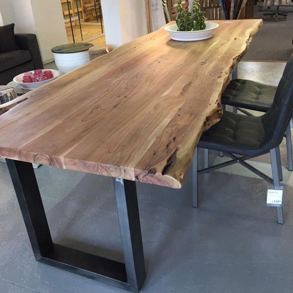 Baumkante Esstisch Massivholz Baumstamm