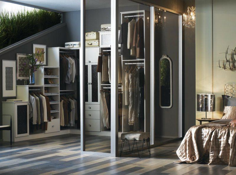 Begehbarer Kleiderschrank Mit Vorhang Abtrennen