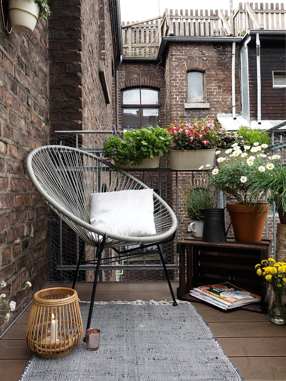 Bequemer Stuhl Balkon