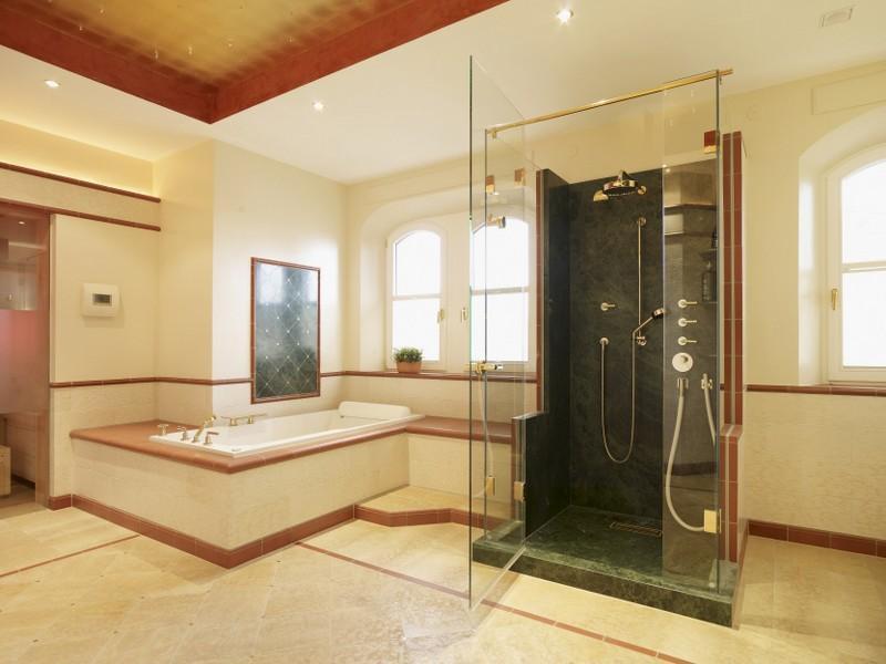 Bilder Badewanne Und Dusche Nebeneinander