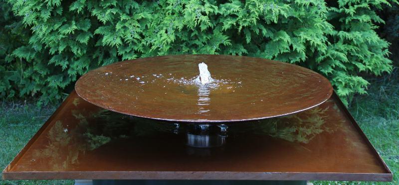 Cortenstahl Brunnen Schale