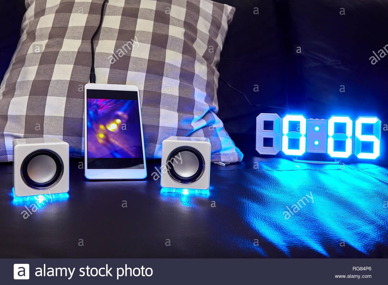 Couch Mit Led Und Lautsprecher
