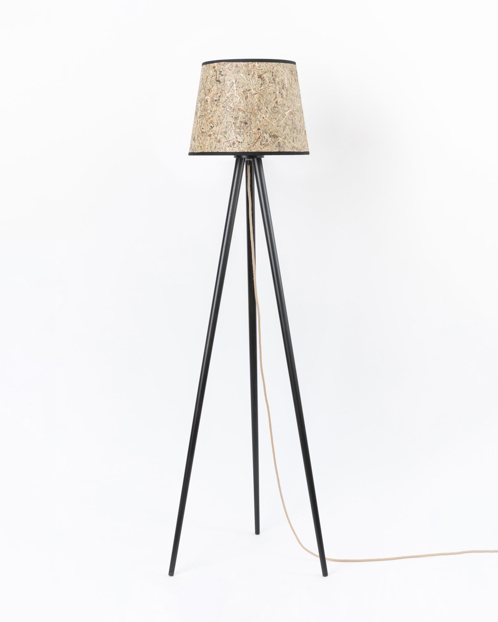 Dreibein Lampe Holz