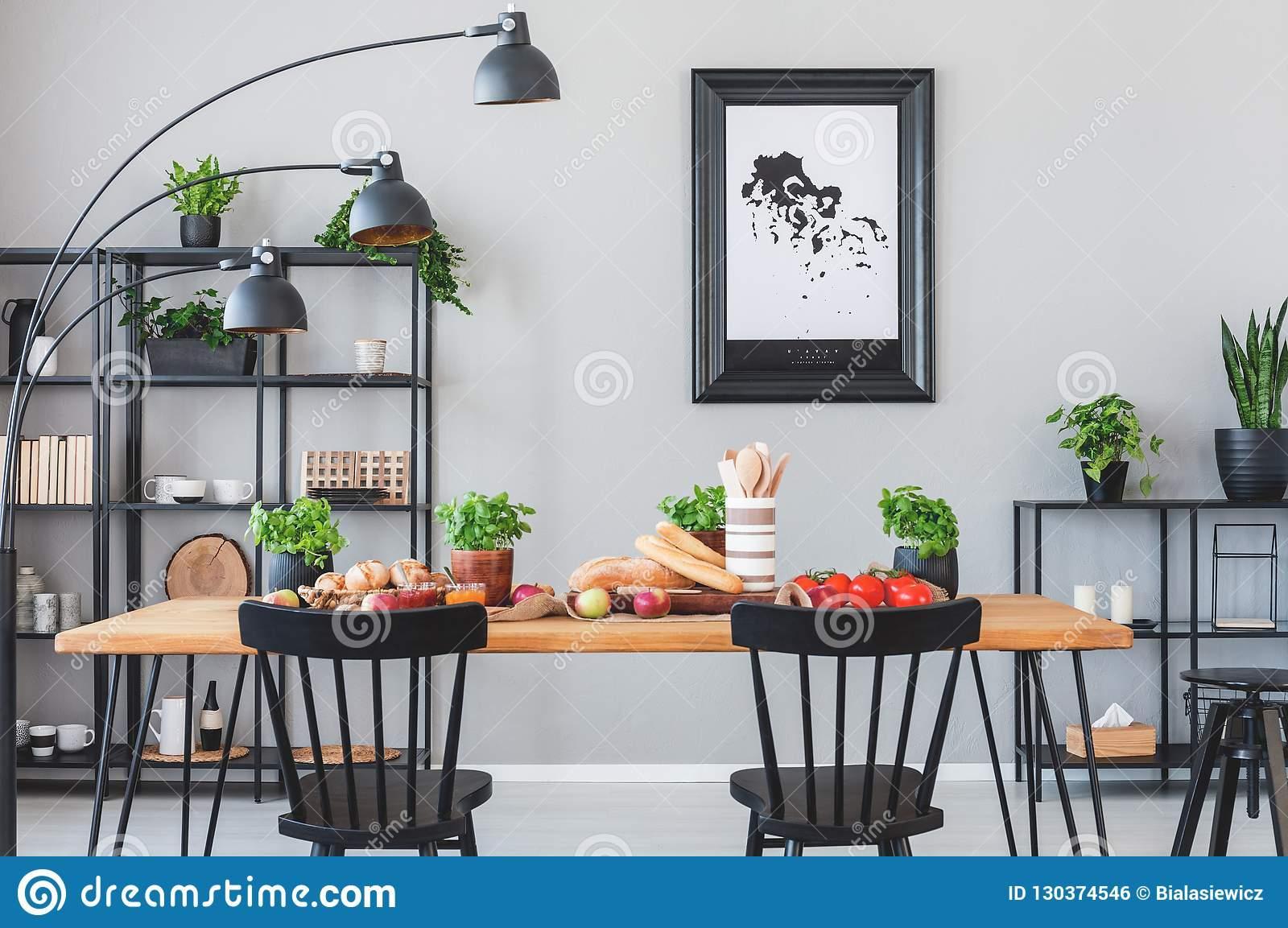 Esszimmer Schwarze Stühle
