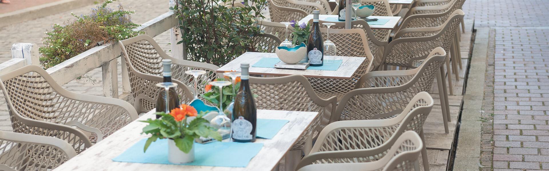 Französische Cafe Stühle