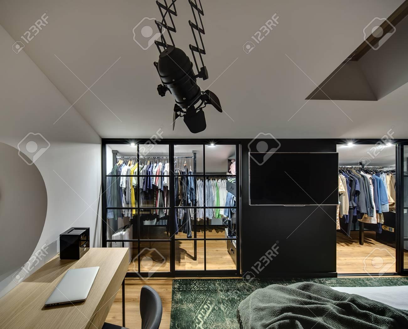 Garderobe Schlafzimmer Wand
