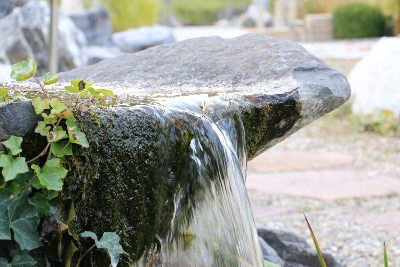 Garten Wasserspiele Naturstein