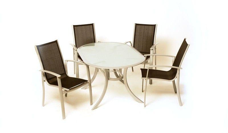 Gartenmöbel Set 4 Stühle 1 Tisch