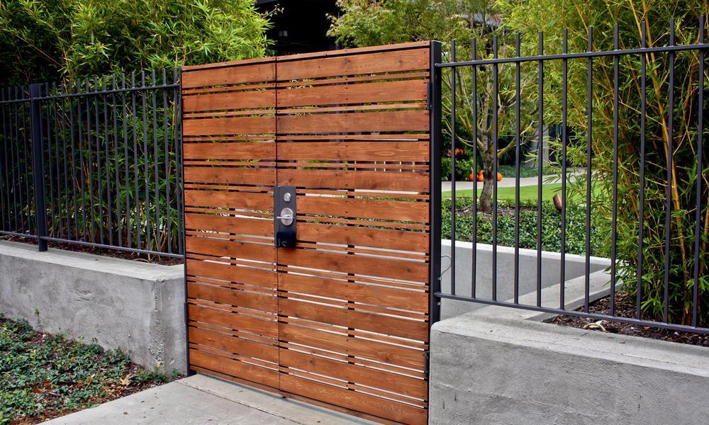 Gartentor Metall Holz
