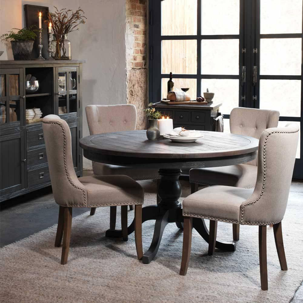 Graue Stühle Brauner Tisch