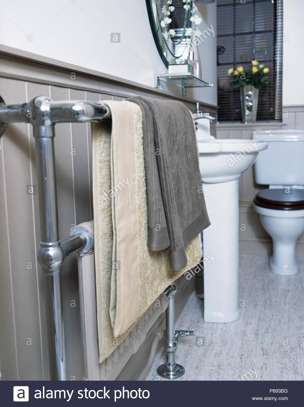 Graues Bad Welche Handtücher