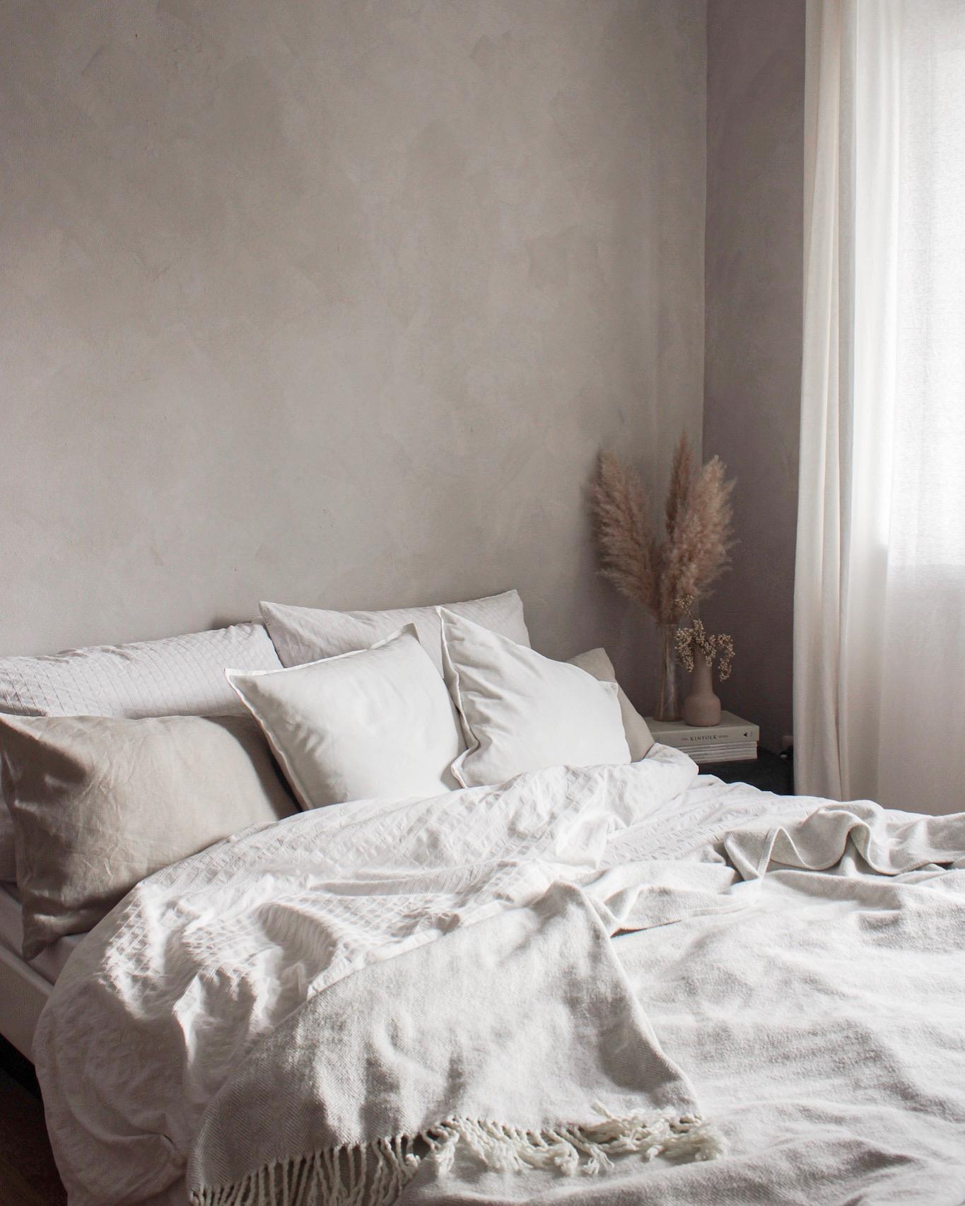 Graues Bett Schlafzimmer