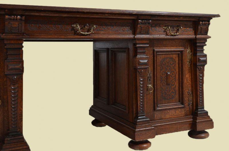 Großer Antiker Schreibtisch
