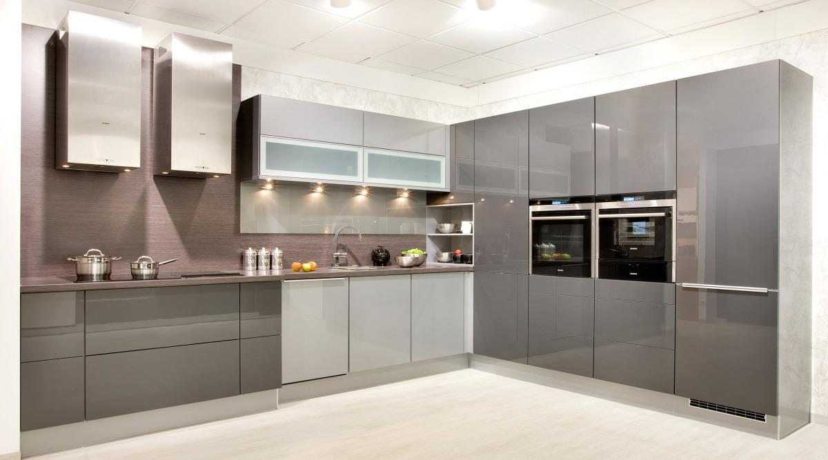 Küche Grifflos Grau