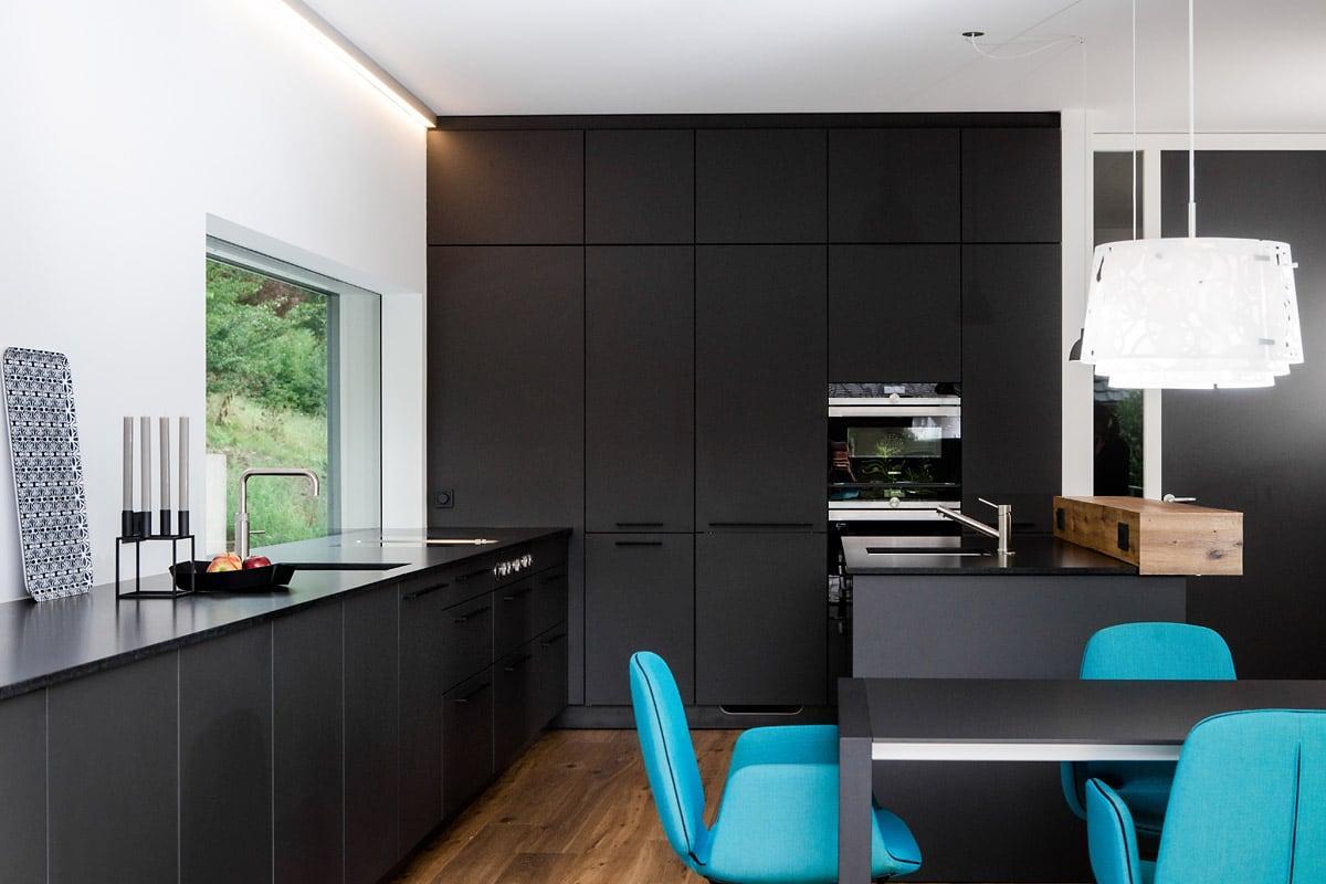 Küche Mit Esstisch Integriert