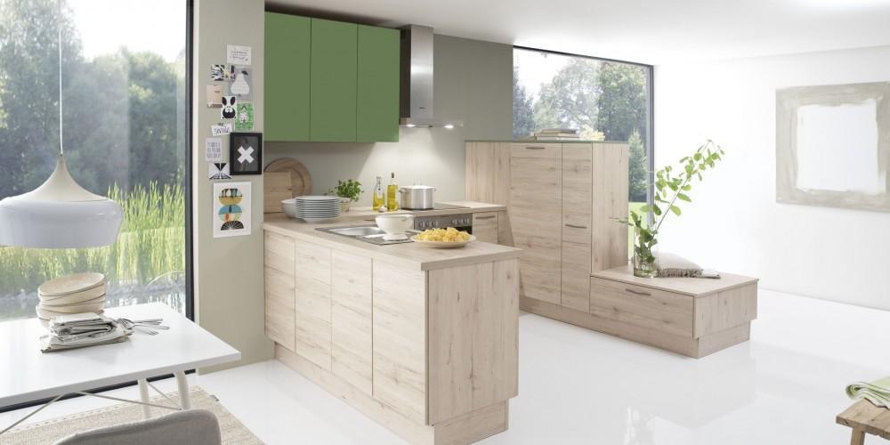 Küche Mit Theke Und Sitzbank